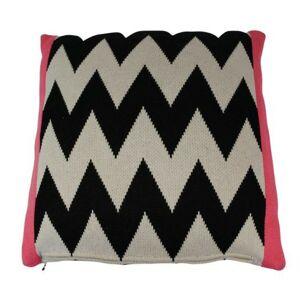 Černo-bílo- růžový polštář Pyramid strawberry - 40*40cm